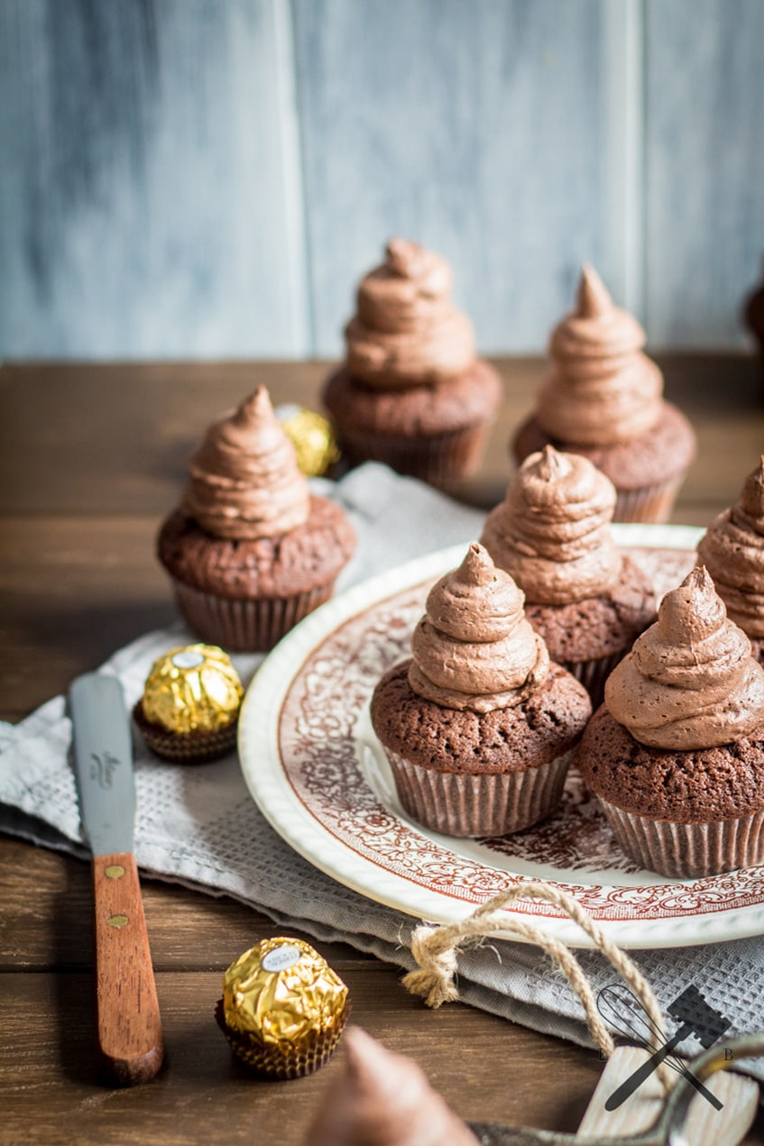 Chocolate-Ferrero-Rocher-Cupcakes