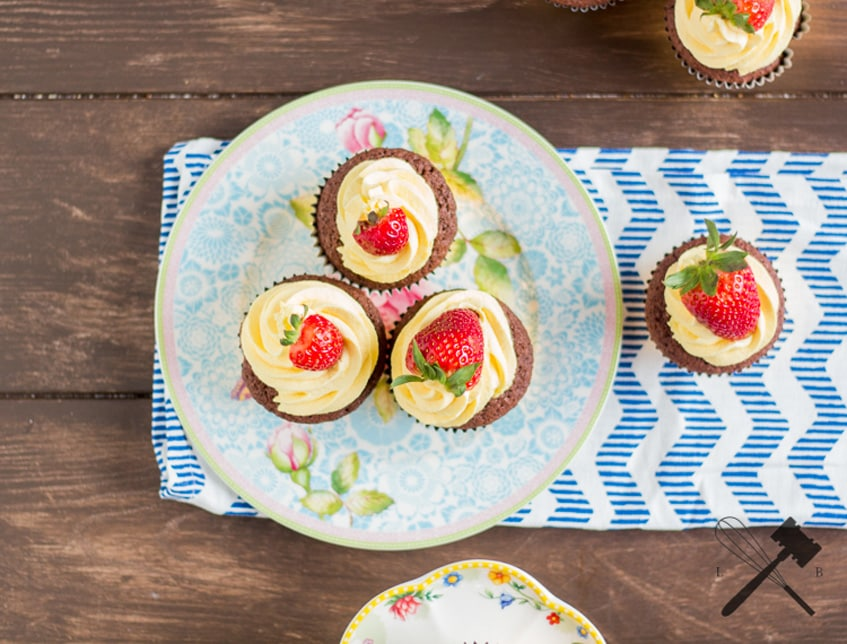 Schoko Vanille Erdbeer Cupcakes