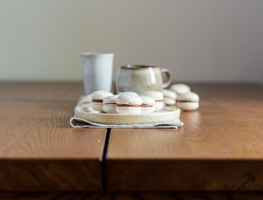 Vanille-Macarons mit Schokoladenfüllung